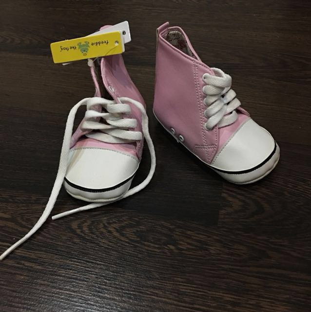 Baby shoes / pre-walker shoes