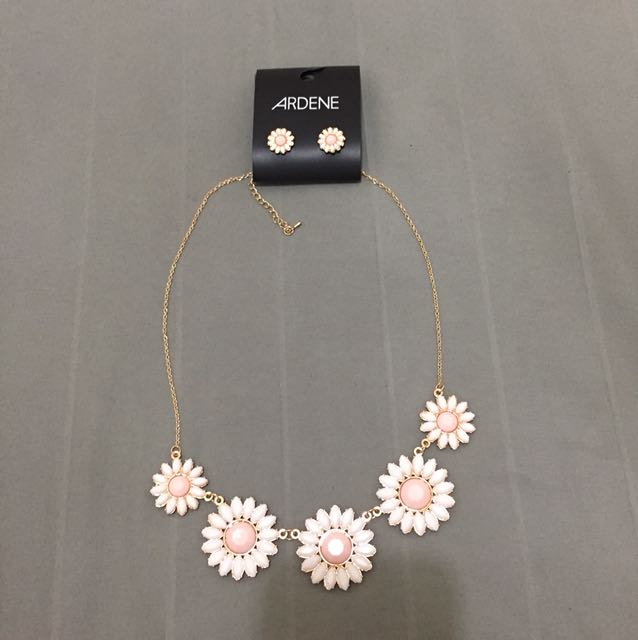 Beautiful earrings and necklace set