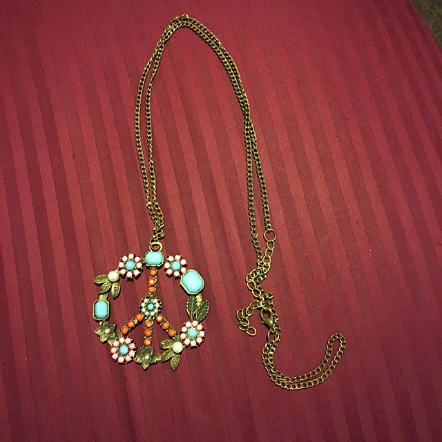 Beautiful Floral Necklace