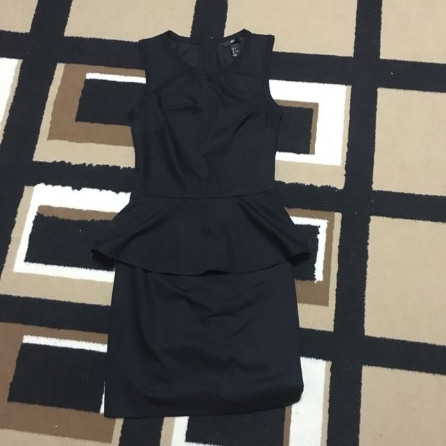 Bnew H&M black peplum dress