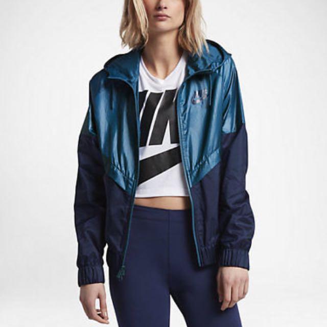 BNWT Nike Windbreaker