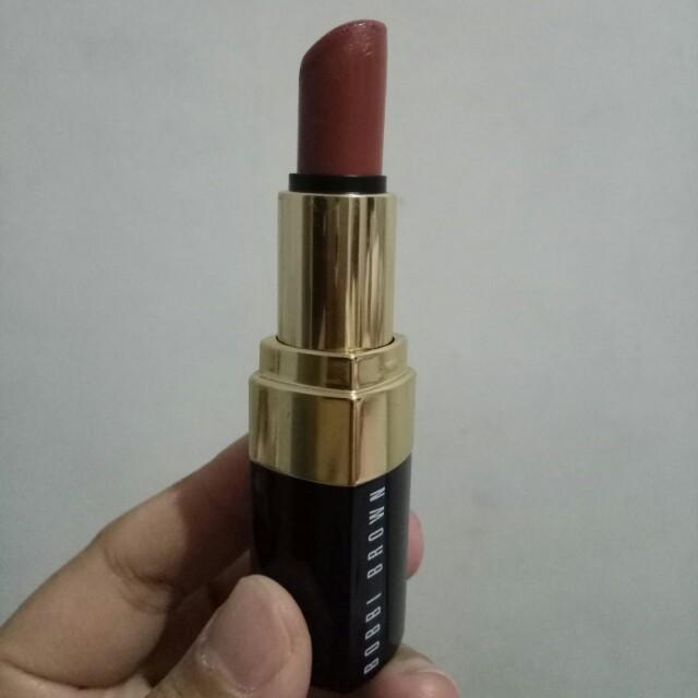 Bobbi Brown lipstick nude brown