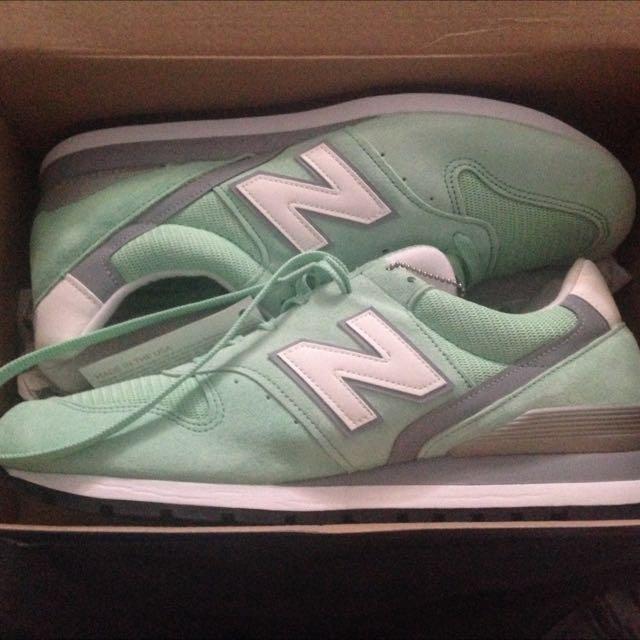 Brand new Men's Mint Green & White New Balance Classic Shoes