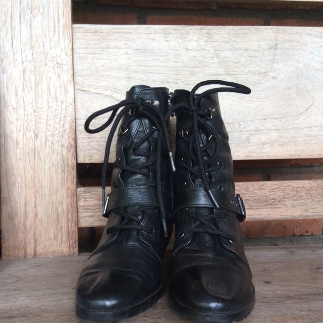 Bronelly by Soda Boots