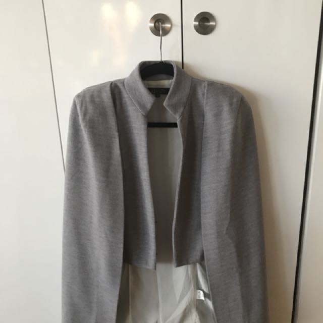Elliatt Grey Cape