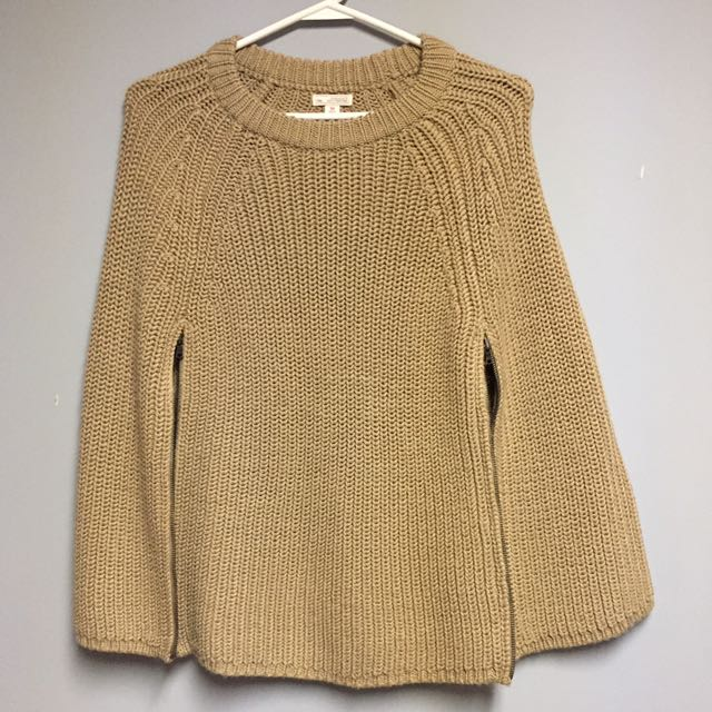 Gap knitted cape