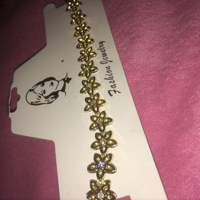 GOLD WITH DIAMOND FLOWER CHOKER