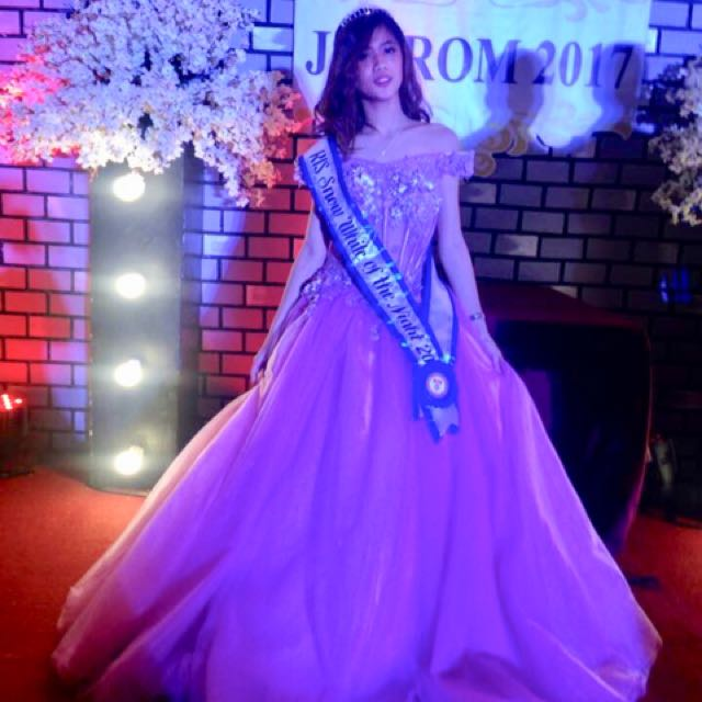 GOWN FOR JS PROM (FOR RENT), Women\'s Fashion, Clothes on Carousell