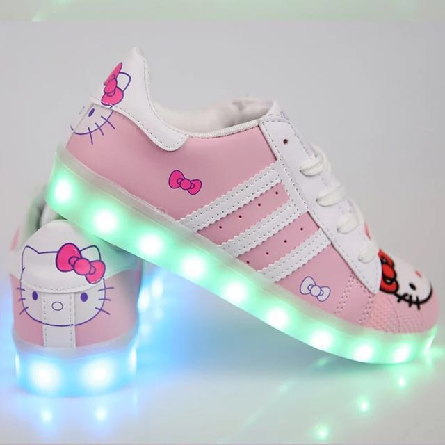 b5f6936ae4df Hello Kitty Shoes