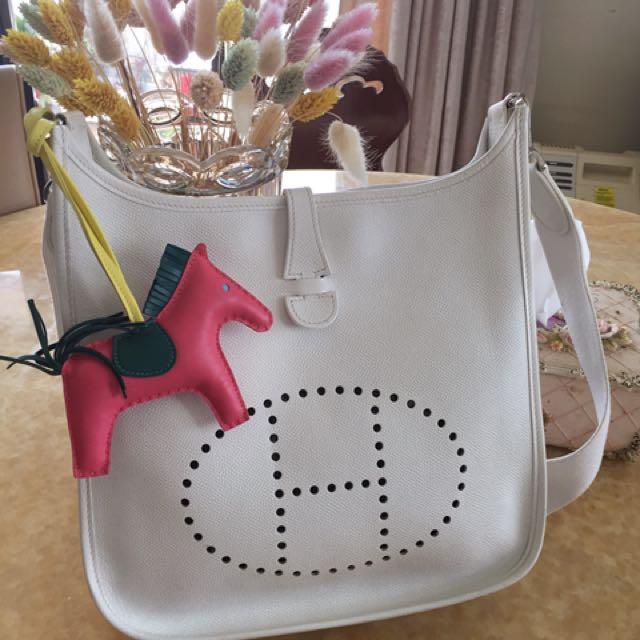 Hermès 二手公主白全皮Epsom Evelyne 29 (PM)斜背包