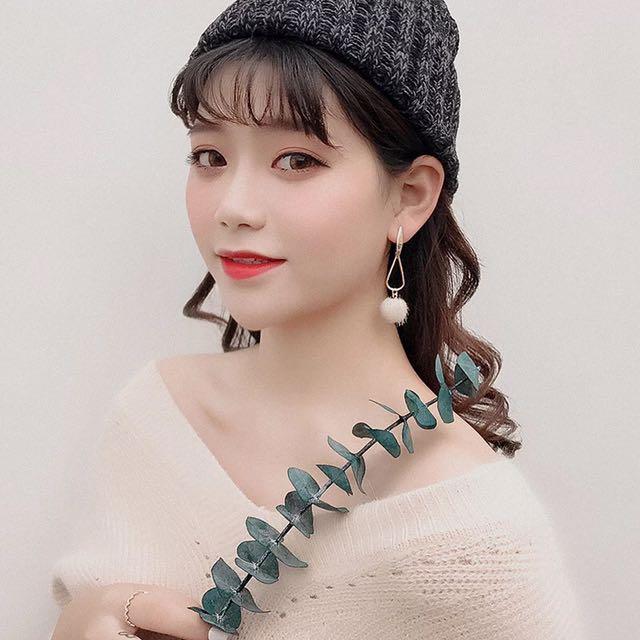 Korean pom pom earrings