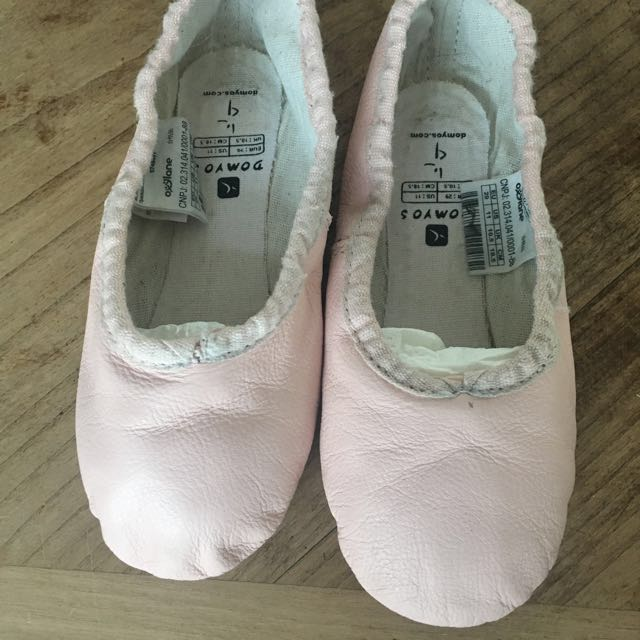 c3758294170700 Leather demi-pointe ballet shoes, Domyos brand, size 29, Sports ...