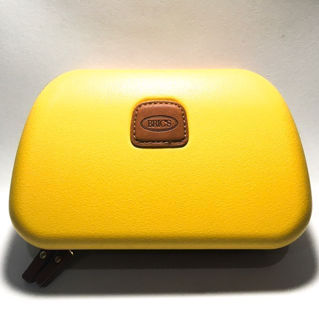 Luxury BRIC'S Clutch Travelling by Qatar Airways colour Yellow