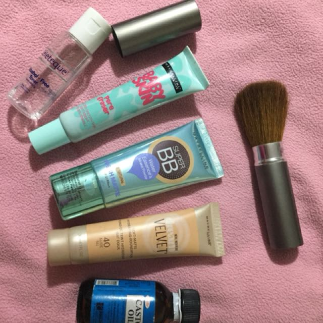 Maybelline makeup package