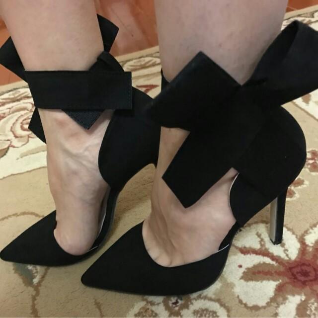 NEW! Big Bow Heels