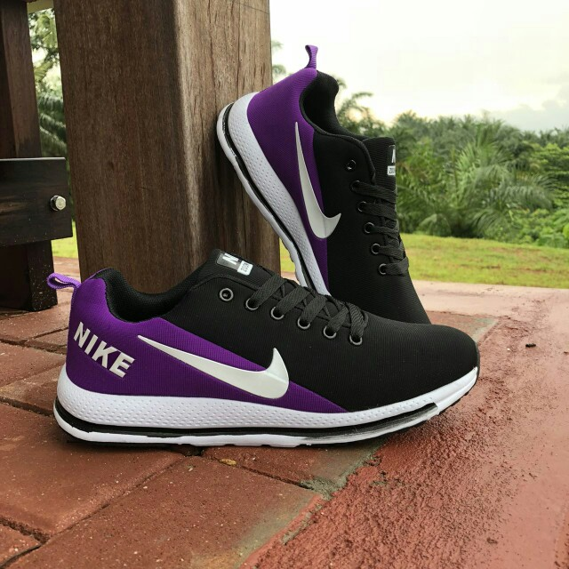 save off 66a02 6e77d Nike Zoom Vomero 13 Black Purple, Women s Fashion, Shoes on Carousell