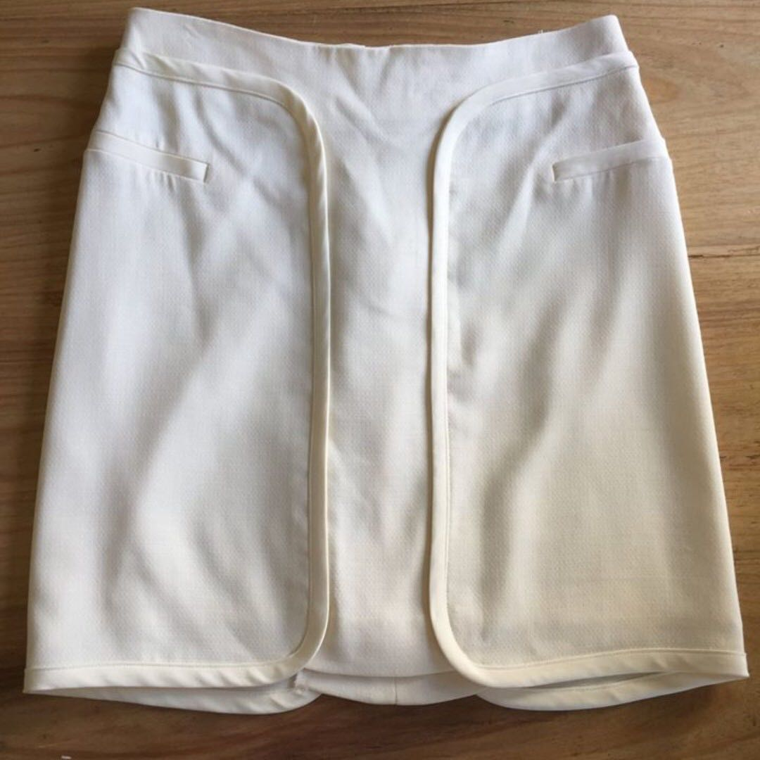 NWT Lisa Ho size 6 wool crepe panel skirt in natural