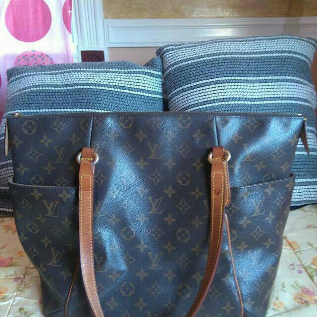 Preloved Louis Vuitton Shoulder Bag with date code