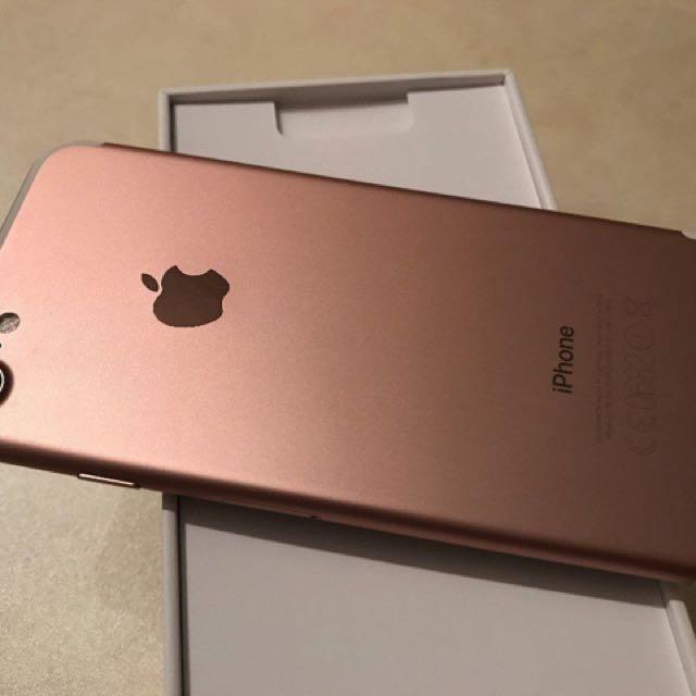 Rose Gold iPhone 7 - 32GB unlocked in box