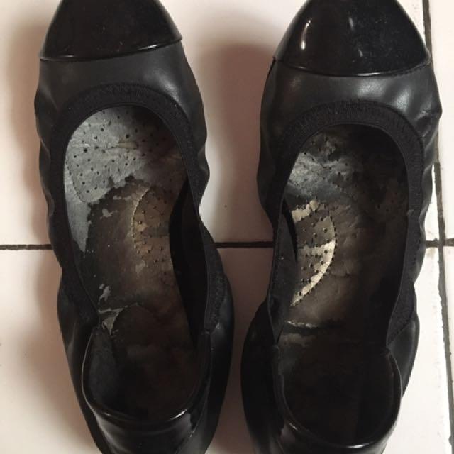 Sepatu dexplex