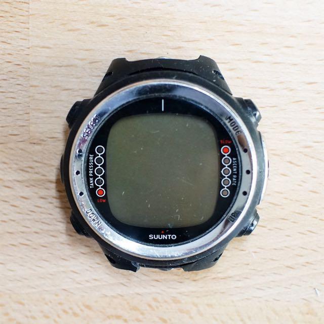 《潛水商品出清》SUUNTO D4i 潛水電腦錶