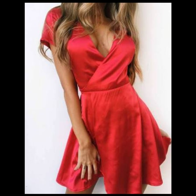 Tiger Mist Red Satin Wrap Dress Small