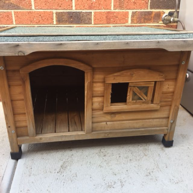 Timber Dog Kennel