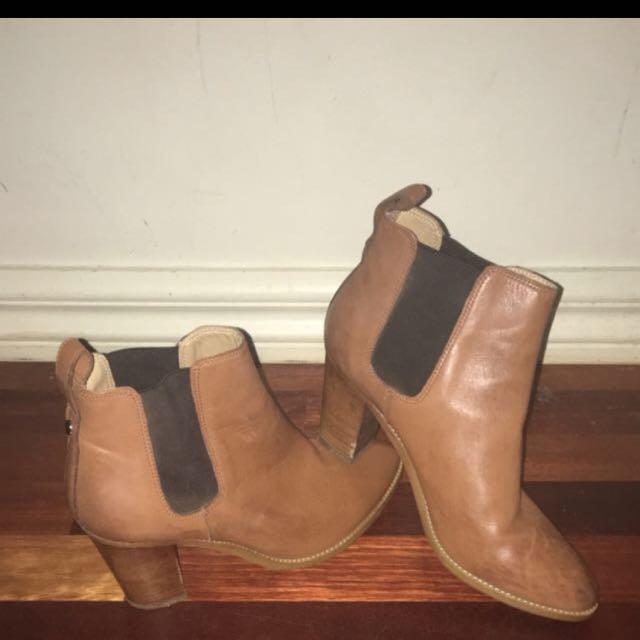 Tony Bianco brown boots