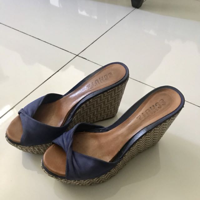 Very comfortable wedges, need to make space for new shoes..