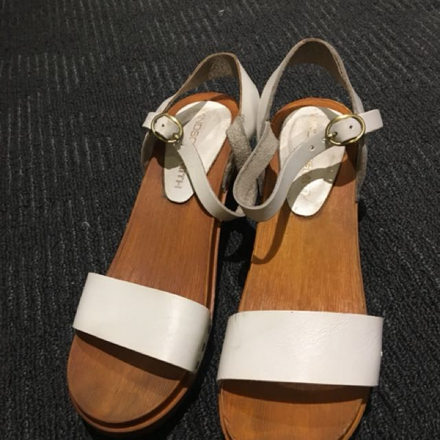 Windsor Smith white sandal Size 7