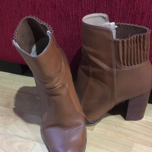 9d52c477159 Zara Trafaluc Leather Brown Heels