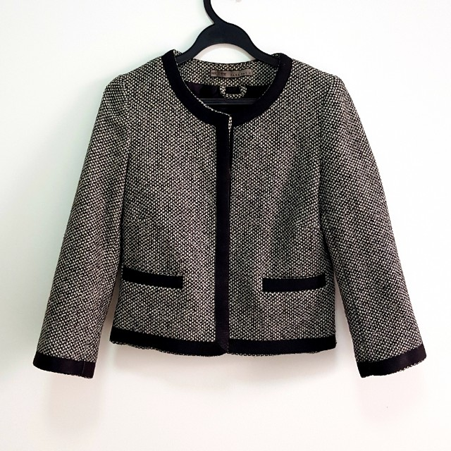 b13761425fbe Zara tweed jacket inspired by the classic Chanel tweed, Women's Fashion,  Clothes, Outerwear on Carousell