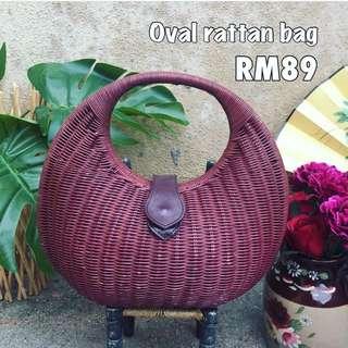 Vintage oval rattan bag