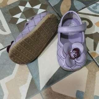 Sepatu import purple