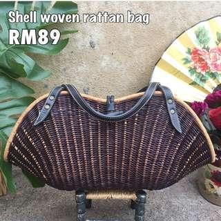 Rattan sea clam vintage bag