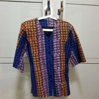 T-shirt Batik motif Garut
