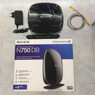 Wireless dual band N+ Router