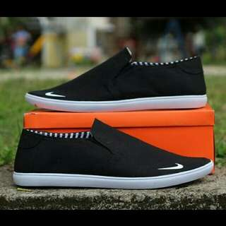 New! CP slip on basic black