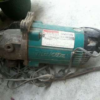 Makita heavy duty grinder