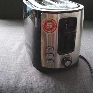 Almost new toaster for sale