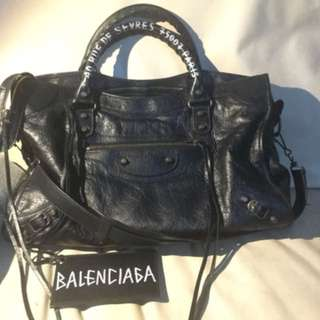 BALENCIAGA CITY GRAFFITI ADDRESS