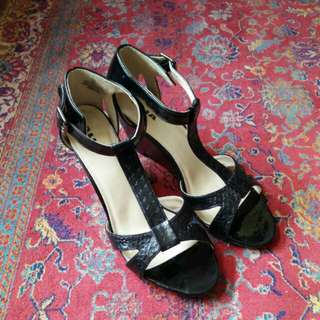 Black t-strap wedges - size 10