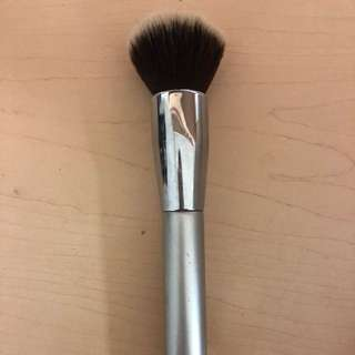 It cosmetics foundation brush
