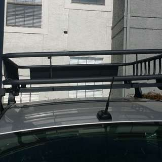 Roof rack and basket