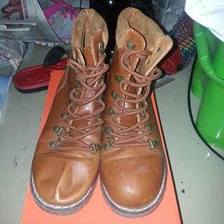 啡色高筒靴
