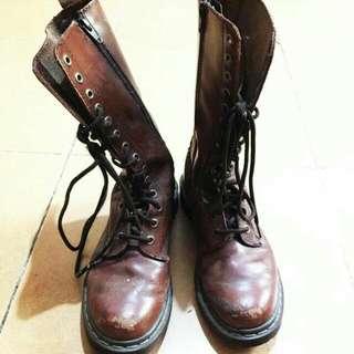 authentic dr. martes 14 eye zip boots