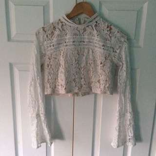 Cropped fitted lace top