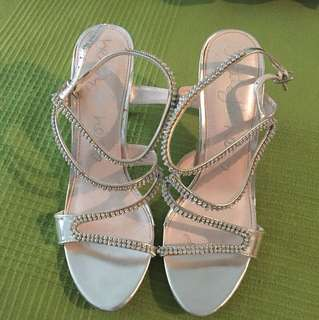 Betts SZ8 heels