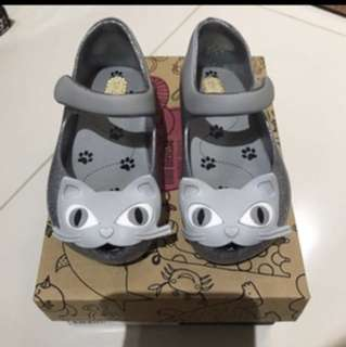 BN mini Melissa Cat shoes - US7