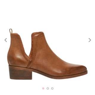 Tan Lipstik boots